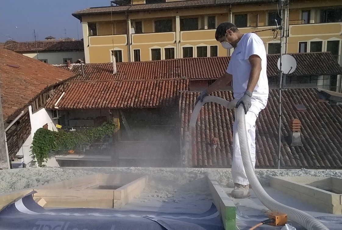 Insufflaggio falda tetto Bergamo